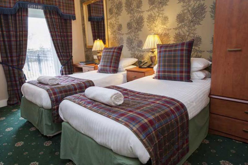 Superior Twin Room Loch Kinord